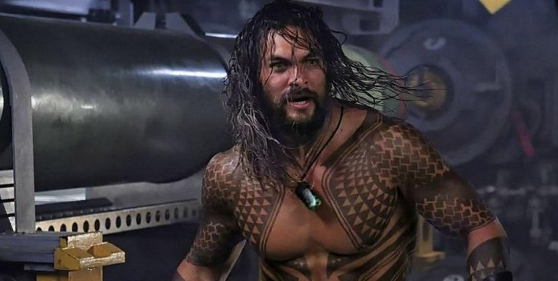 First Look At New Aquaman Outfit Debuts At Licensing Expo