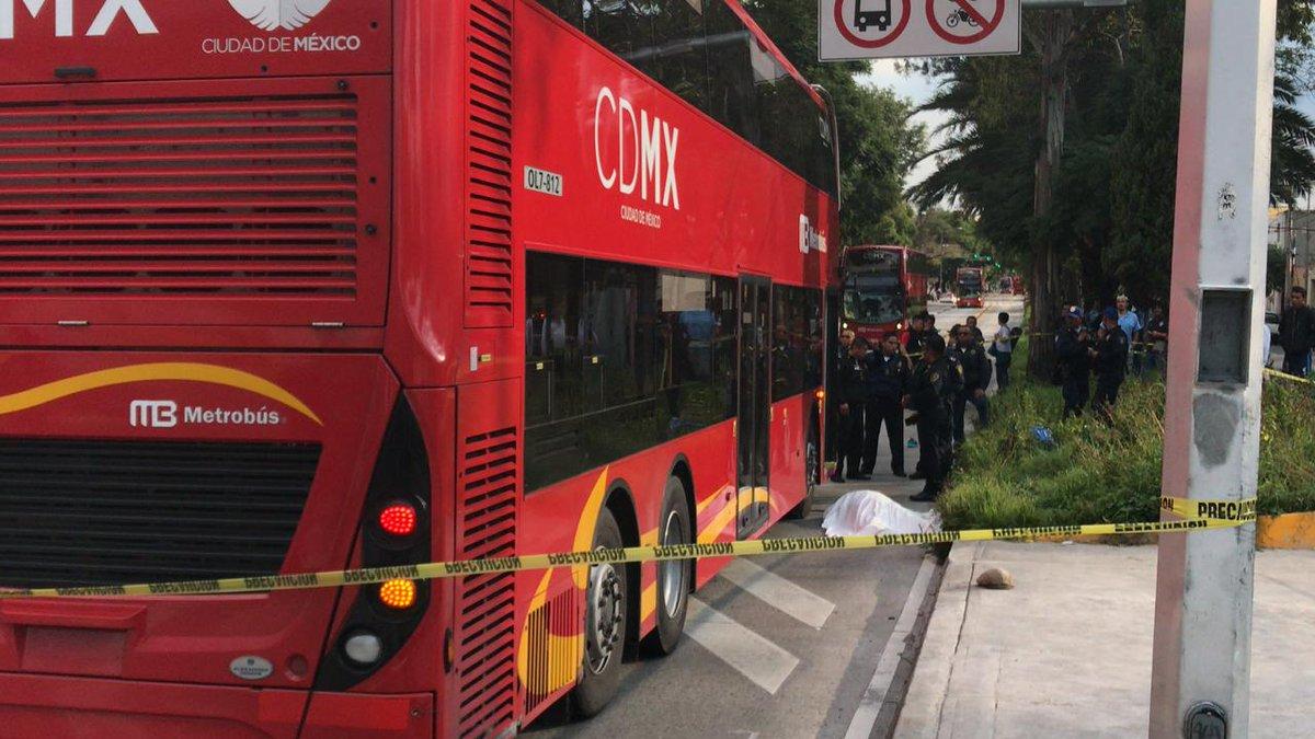 Circuito Y Misterios : Muere hombre arrollado por metrobús en estación misterios diario