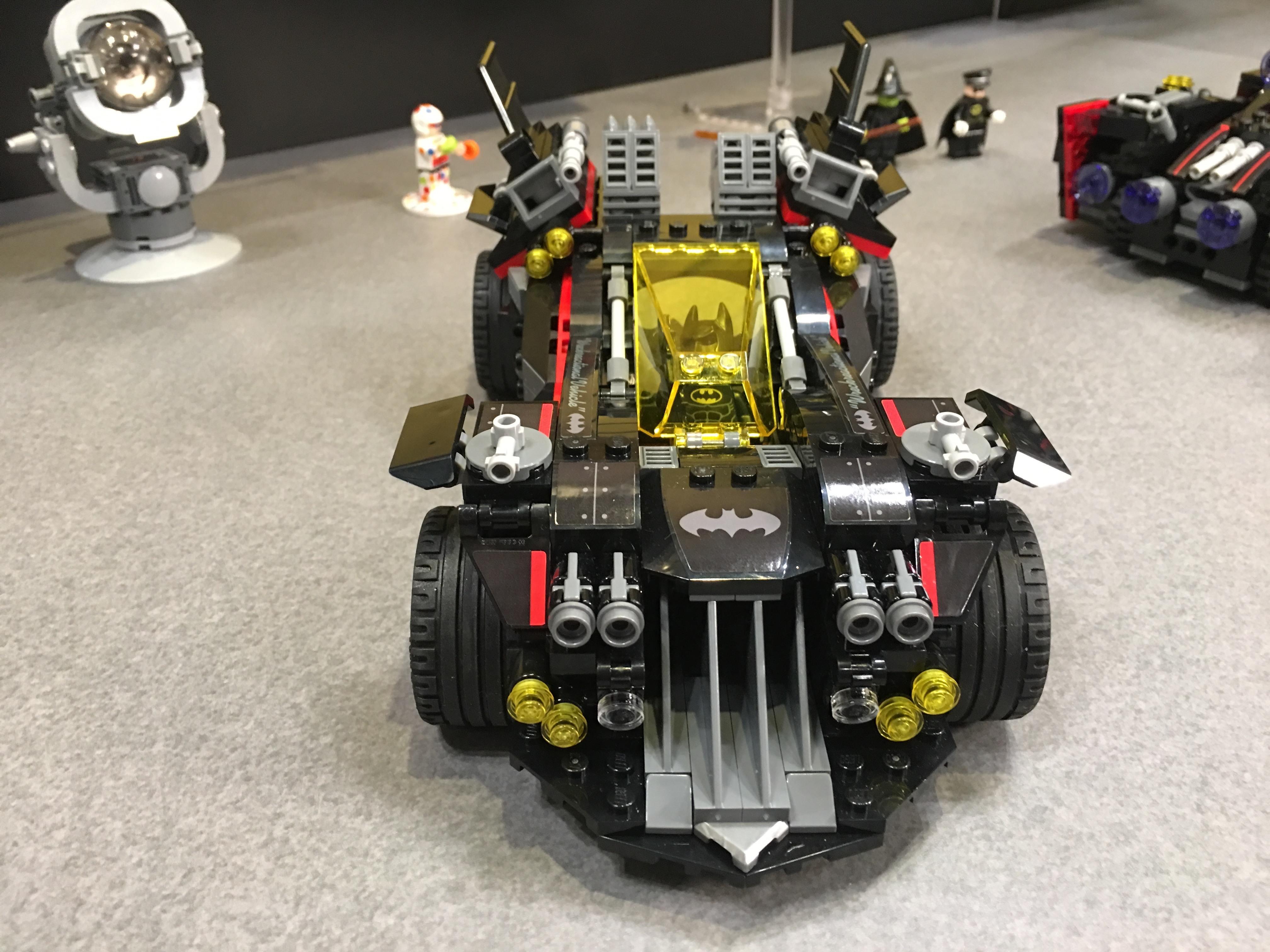 toy fair 2017 39 the lego batman movie 39 batmobile set. Black Bedroom Furniture Sets. Home Design Ideas
