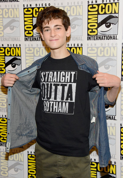 David Mazouz gotham season 4 dark knight news
