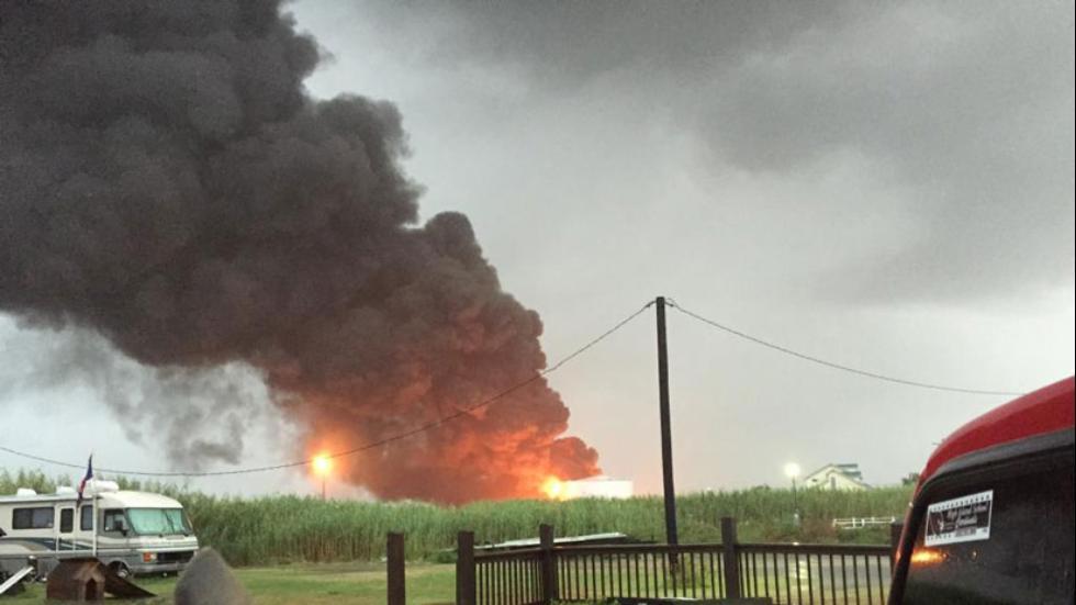 Houston-Lightning Hits Valero Texas City Refinery Ignites ...