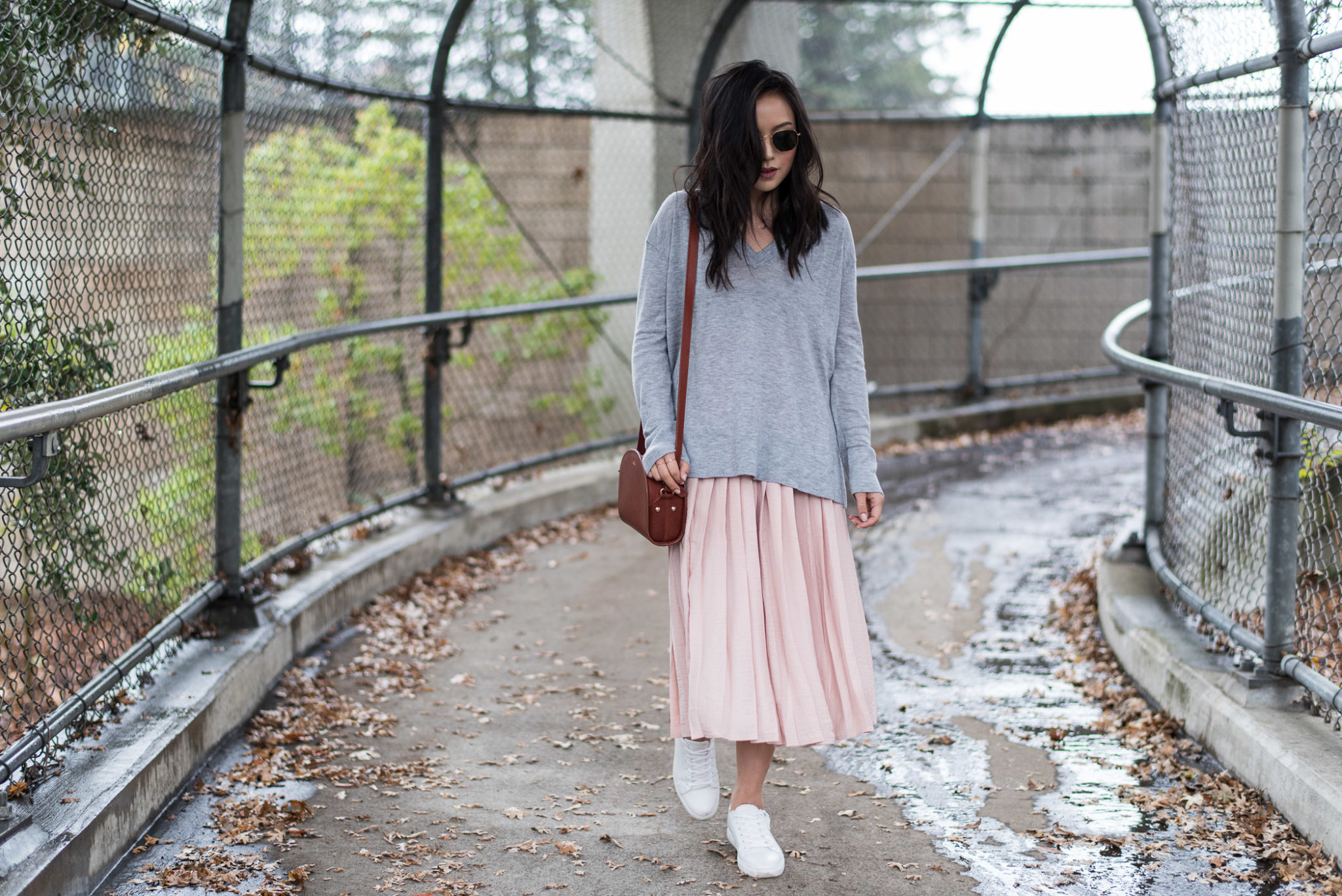 what-to-wear-with-a-pleated-skirt