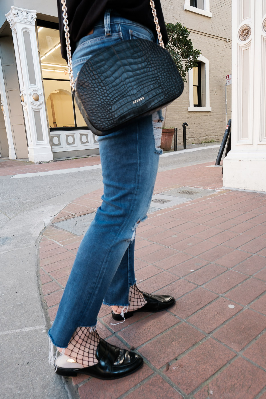 how-to-wear-fishnet-tights-fishnet-stockings-trend-10