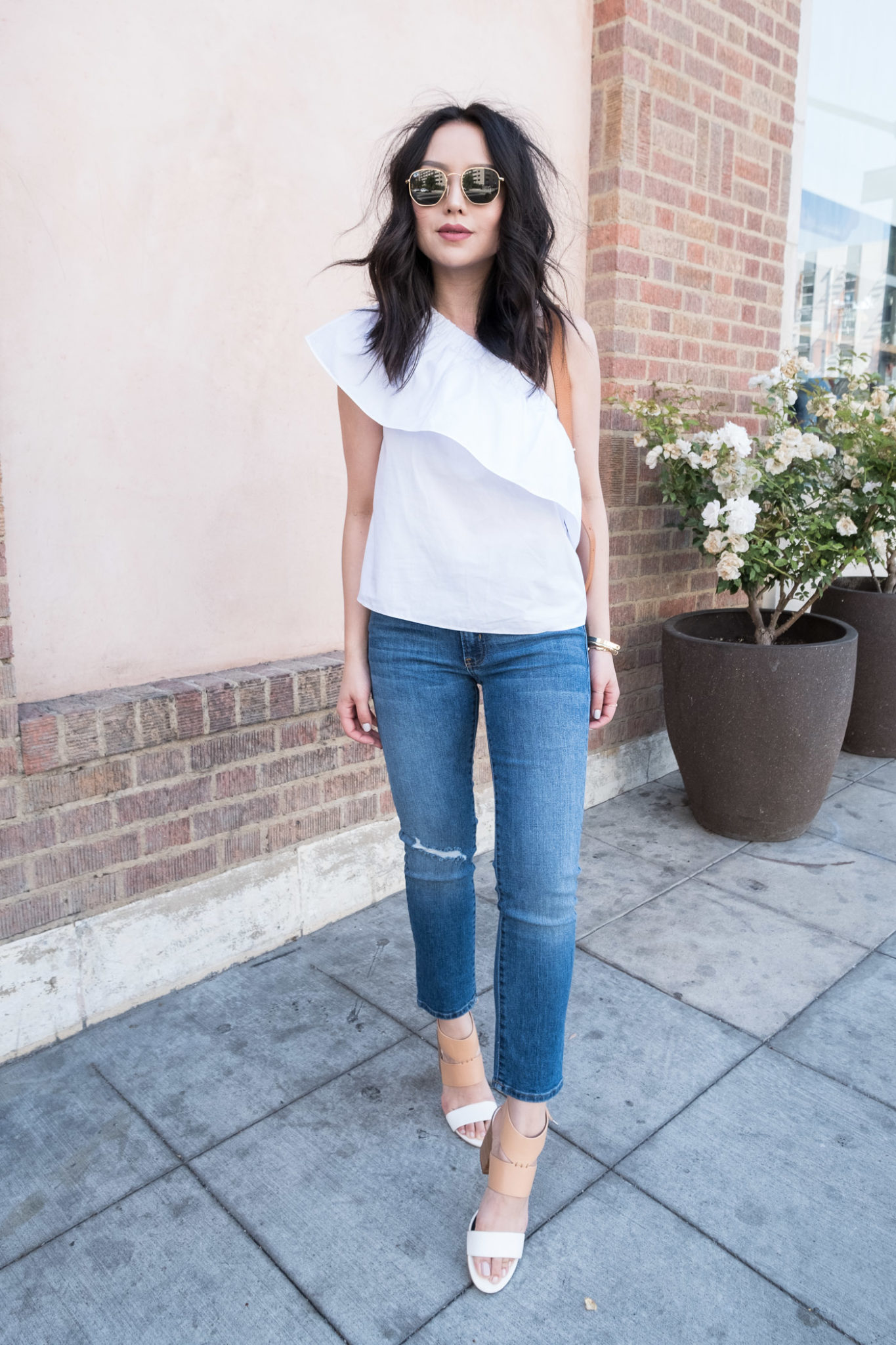 how-to-wear-one-shoulder-top-1