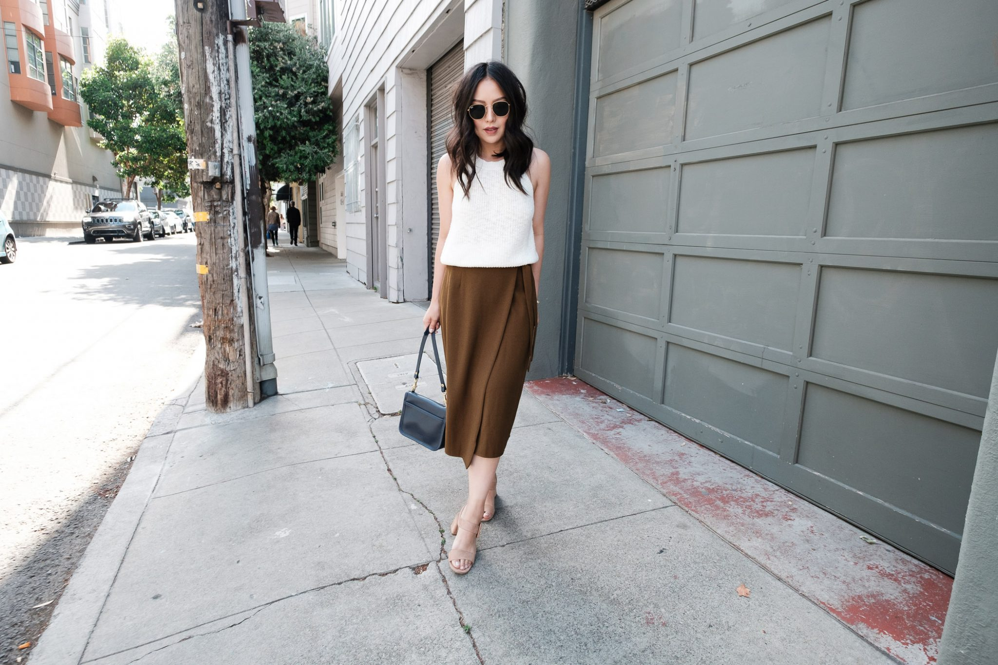 how-to-wear-a-midi-skirt-in-the-summer