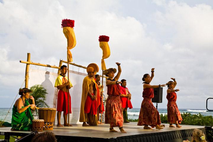 Royal court and hula dancers at the Sheraton Kauai luau | Hawaii Tourism Authority (HTA) / Tor Johnson