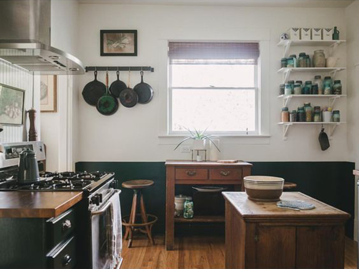 How to Make Open Shelving Work in the Kitchen