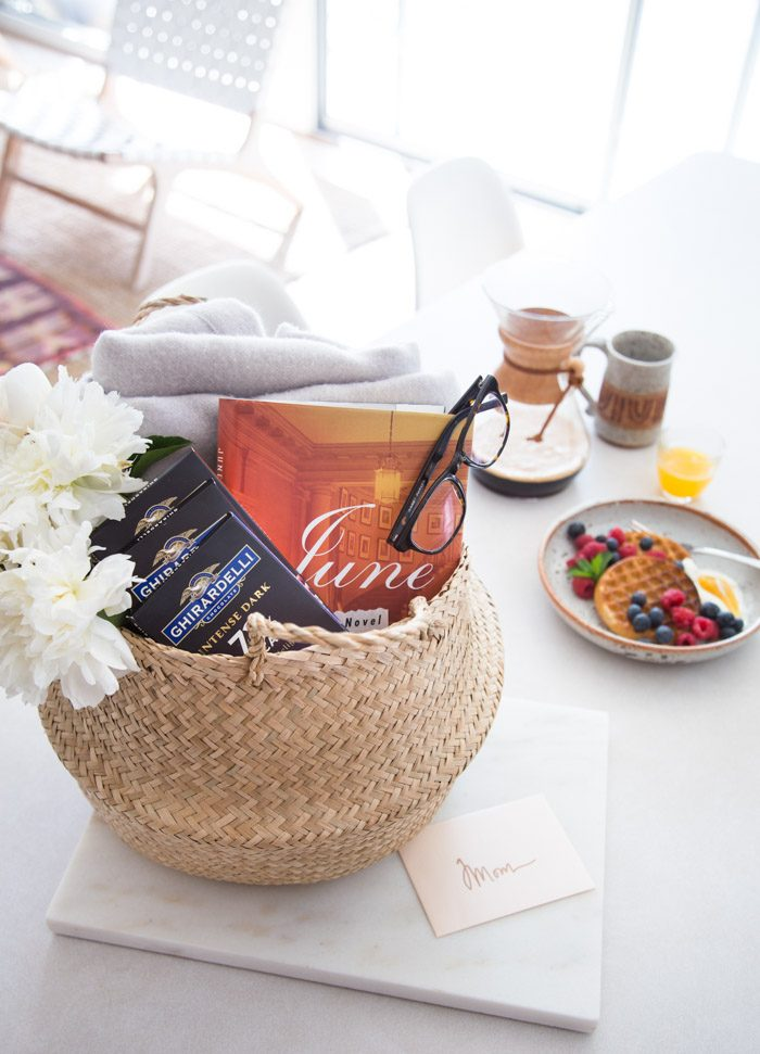 Mothers-Day_Ghirardelli-Savor-the-Dark-Chocolate_Hither-and-Thither-1