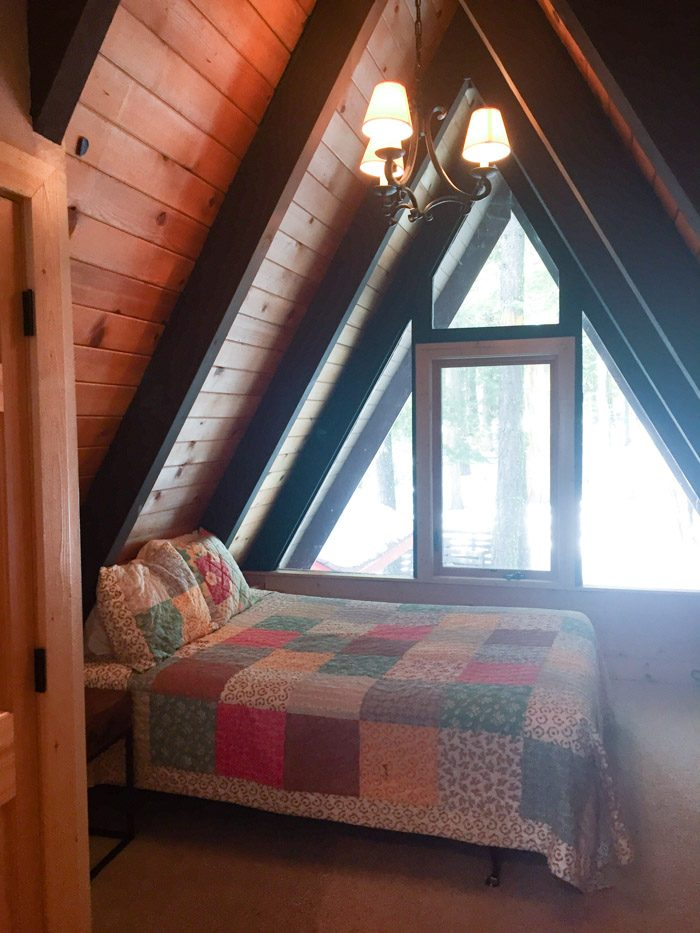 CabinBedroom_Hither-and-Thither-1