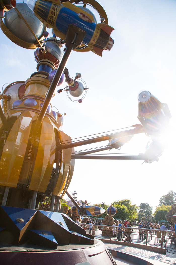 Disneyland_Hither-and-Thither-16