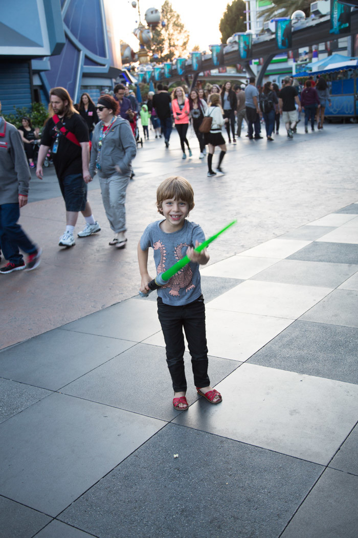 Disneyland_Hither-and-Thither-19