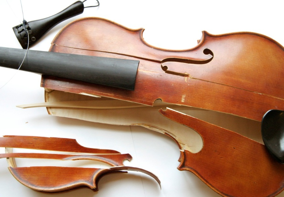 Broken violin limelight mag