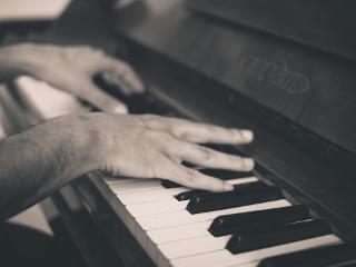 Piano thumb