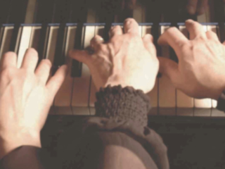 Piano hands thumb