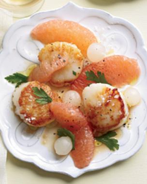 Scallops with Grapefruit-Onion Salad