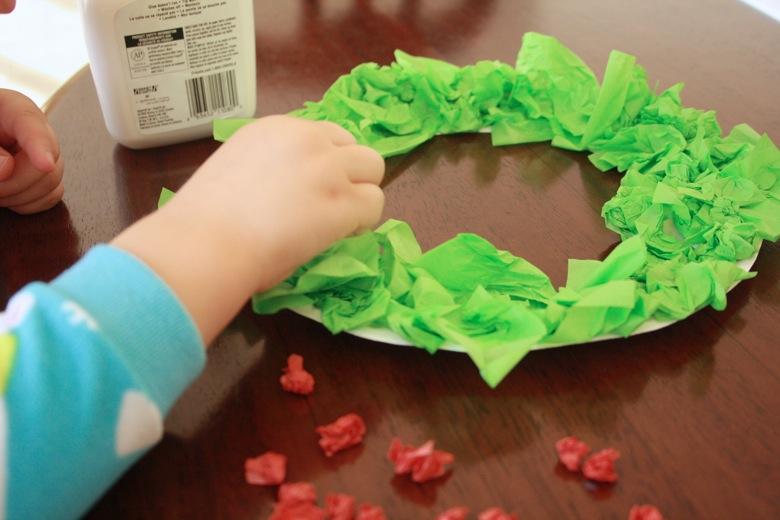 Simple Tissue Paper Christmas Wreath Mamapabubba