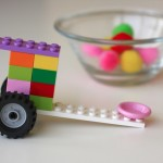 How to Build a Simple Lego Catapult {A tutorial by Miss G}