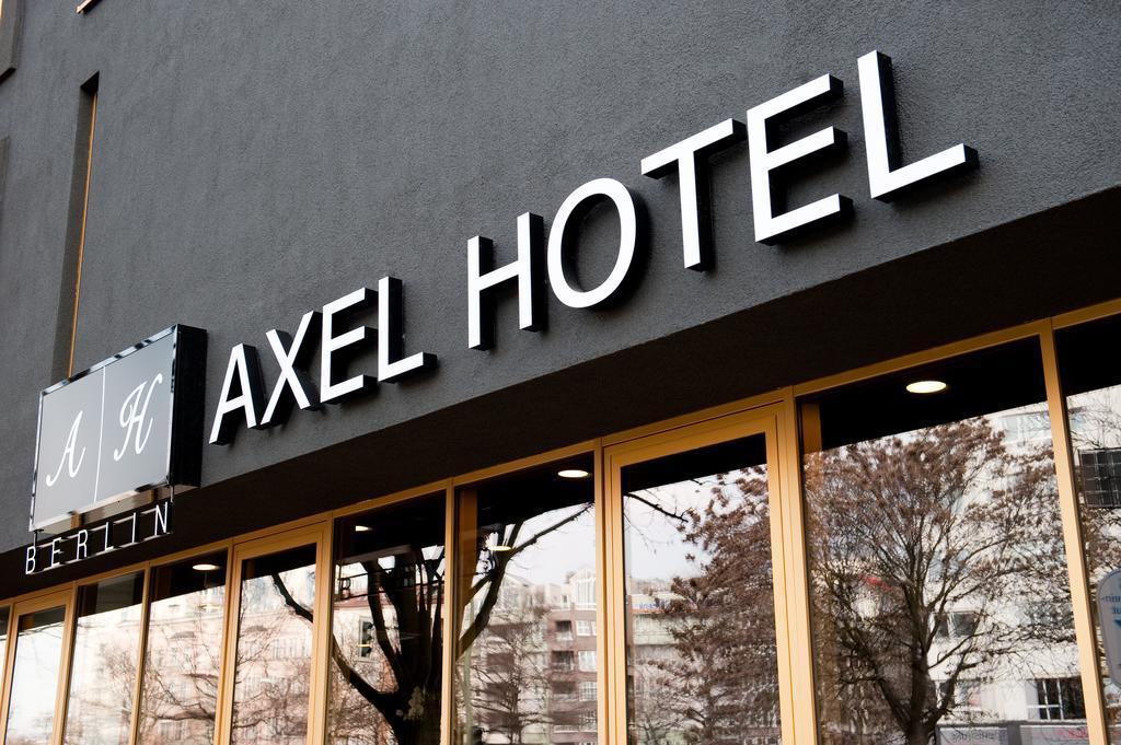 Large_axel_berlin_6004