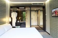 Largethumb_axel_two_120_room_2011_2