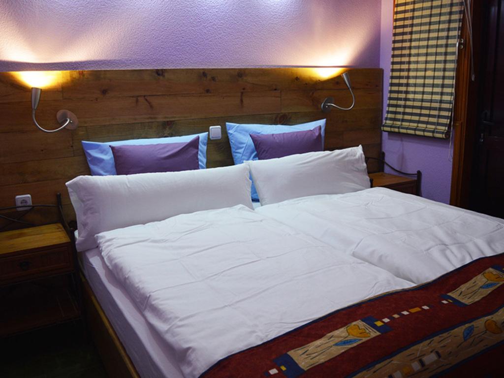 Large_pas_101_5_sleepingroom1