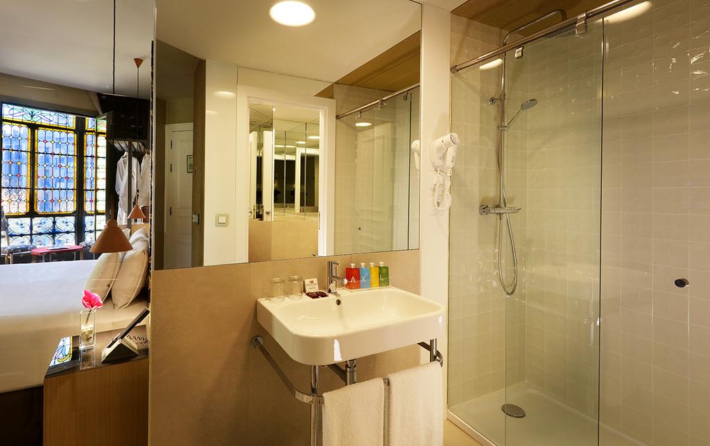 Large_axel_hotel_barcelona_(4)