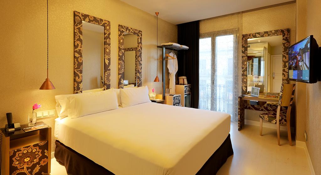 Large_axel_hotel_barcelona_(11)