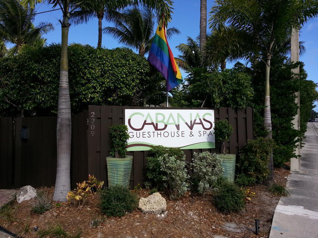 Large_cabanas_1