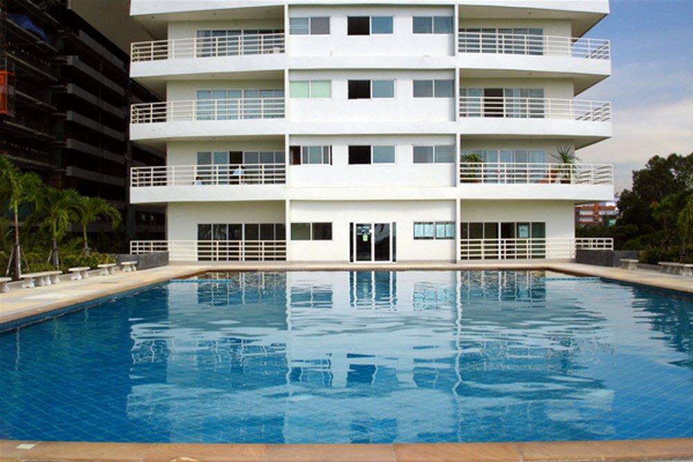 view-talay-6-condo-pattaya-pool2.thumb.jpg.f84334c17a8e7a8dda151bbcca4bc373.jpg