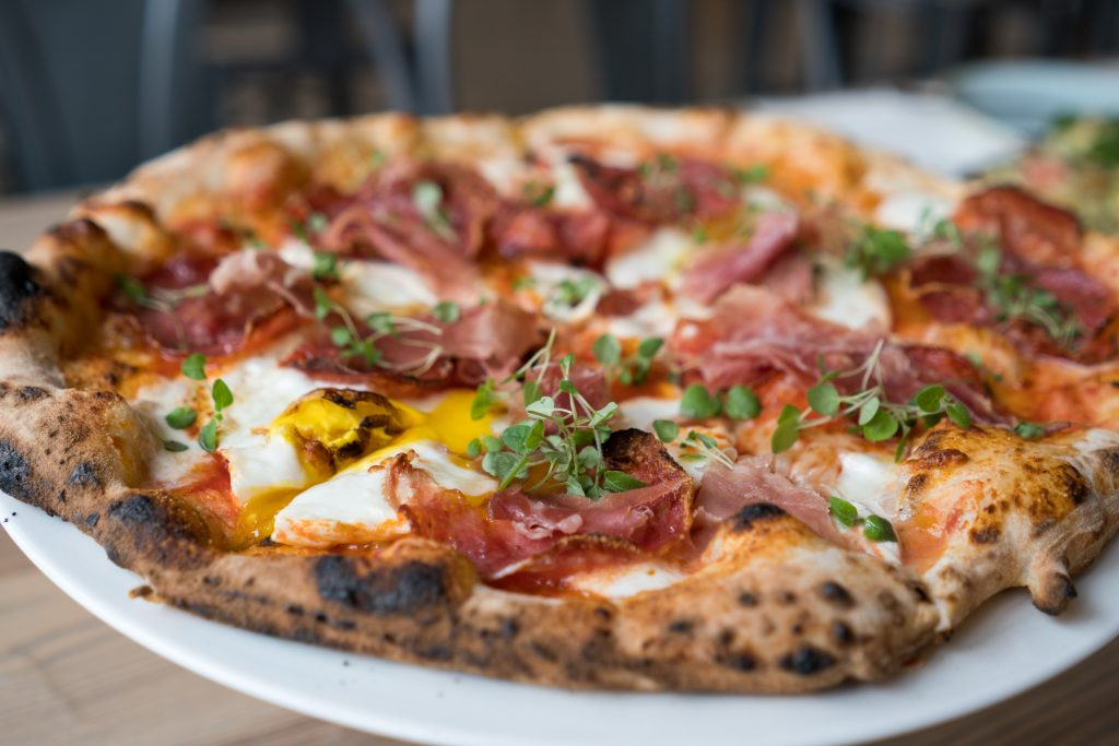 Sixty-Vines-brunch-pizza