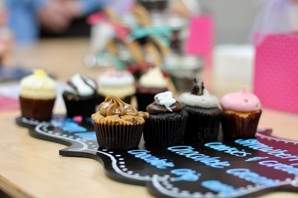 Sip & Shop pop-Up TreeHouse Plano, Plano Profile, Smallcakes Cupcakery Dallas,
