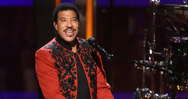 MOUNTAIN VIEW, CA - NOVEMBER 4: Lionel Richie appears on the 7th Annual Breakthrough Prize ceremony at the NASA Ames Research Center on November 4, 2018 in Mountain View, California. (Photo by Frank Micelotta/National Geographic/PictureGroup/Sipa USA)