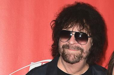 Jeff Lynne at the 2017 MusiCares Person of the Year Dinner honoring Tom Petty at the Los Angeles Convention Center
