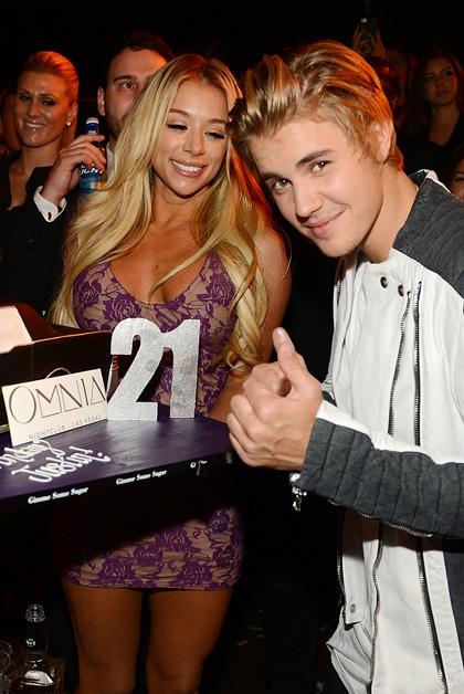 Justin-Bieber-Cake_OMNIA-Nightclub-LV_Denise-Truscello-2