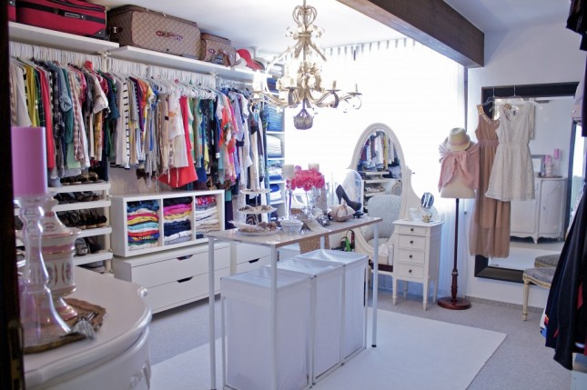 Before After Brit S Closet Transformation Brit Co