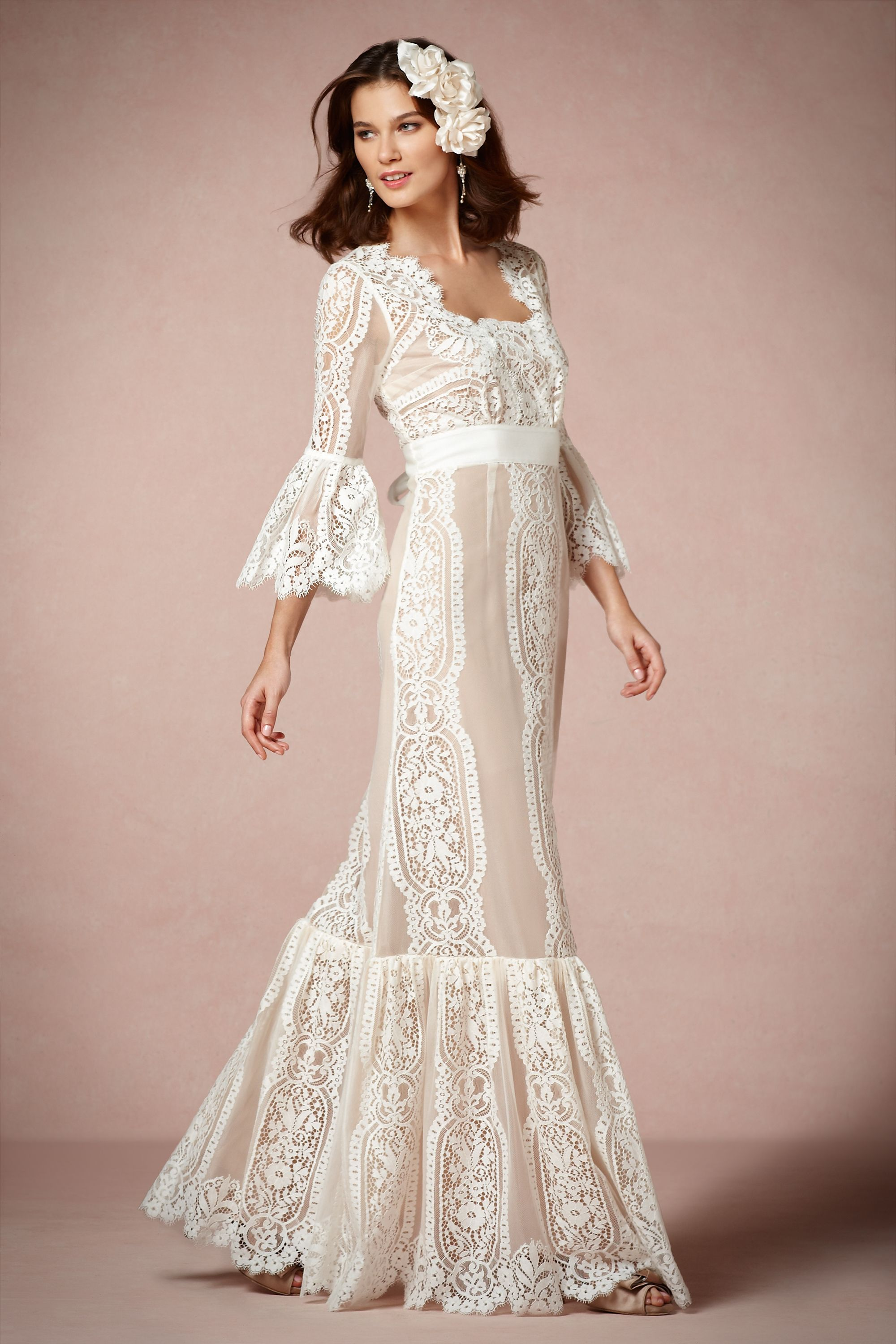 20 Unconventional Wedding Dresses for the Modern Bride ...