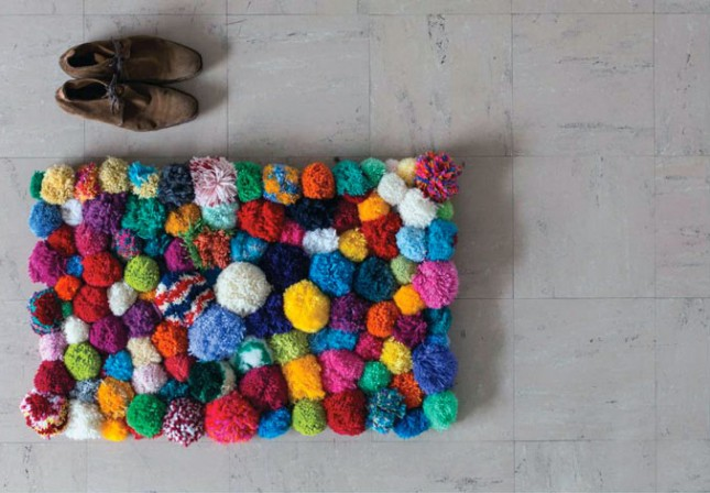 20 diy rugs to brighten up your space brit co - Alfombra rafia ...
