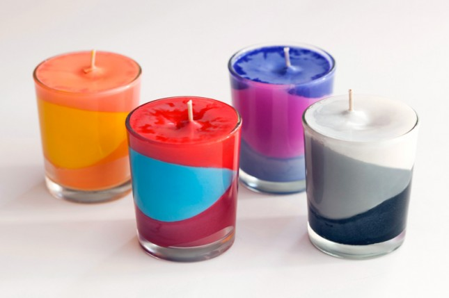 use crayons to create color block candles brit co. Black Bedroom Furniture Sets. Home Design Ideas
