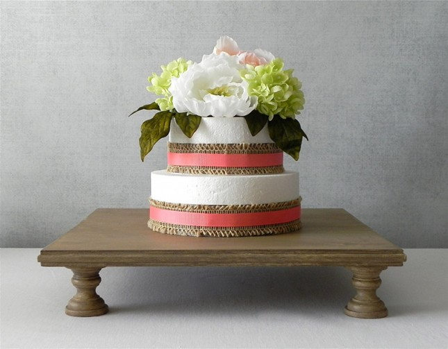 14 multi footed stand 65 this extra sturdy stand raises your cake