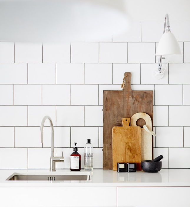 A Scandi Style Kitchen And Bathroom With A Coastal Cool Feel: Fresh And Clean: 30 Scandinavian-Inspired Rooms