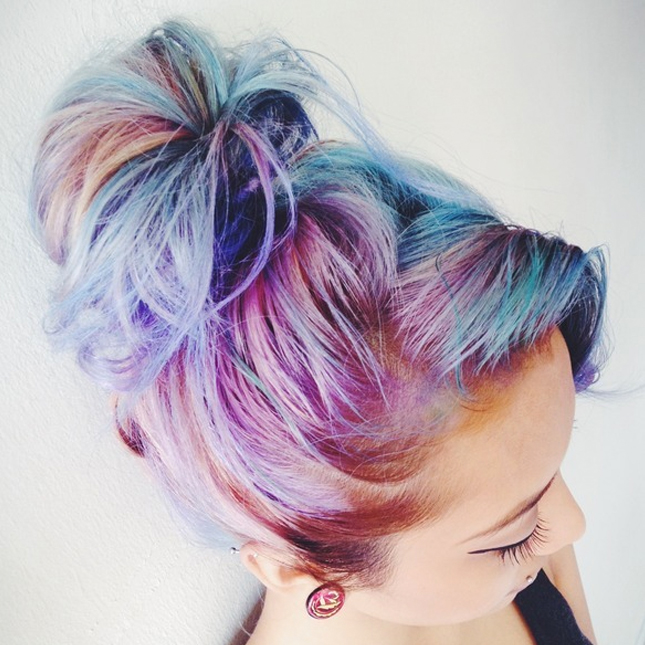 15. Cotton Candy Hair : Wait. Yes. This is cotton candy in hair form ...