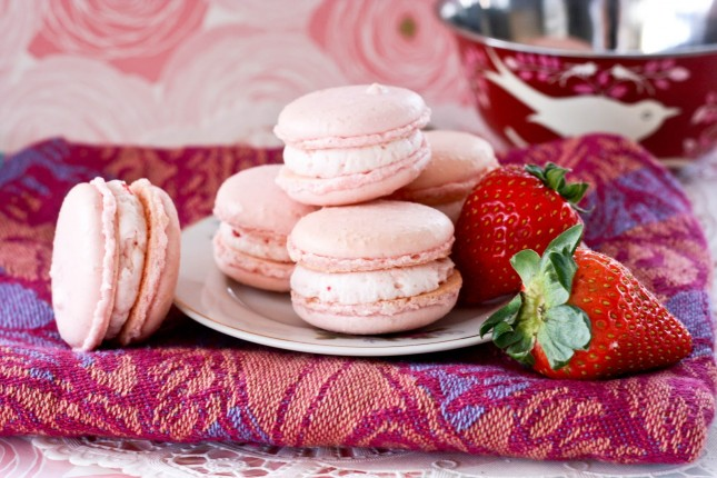 Strawberry Macarons : Now that we're right smack in the middle of ...
