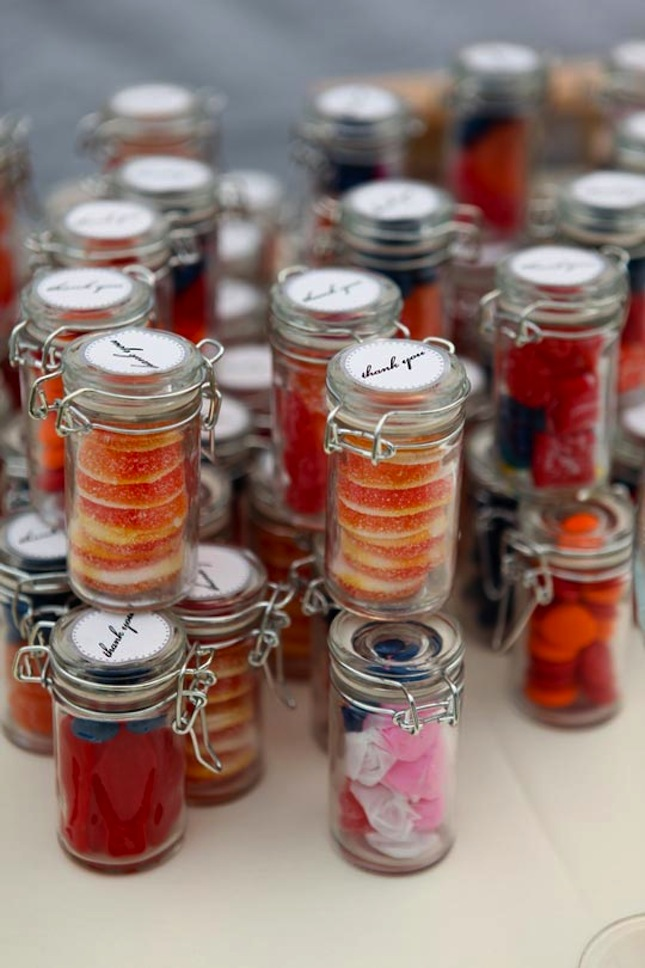 15 edible wedding favors to buy or diy brit co for Where can i buy wedding decorations