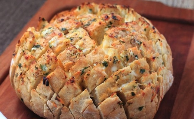 16. Cheesy Stuffed Garlic Bread : Party-perfect, and ready to go. (via ...