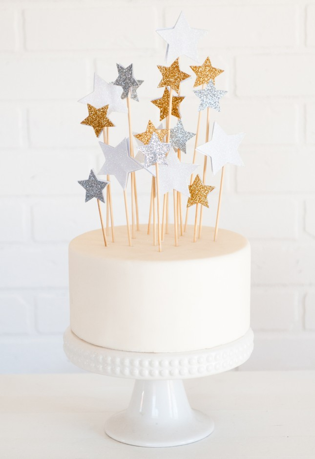 Cake Decorating Ideas Stars : Beyond Candles: 21 DIY Cake Toppers That Steal the Show ...