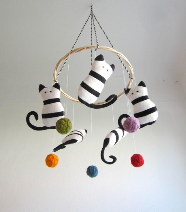 30 baby mobiles to buy or diy brit co for Baby shapes mobile