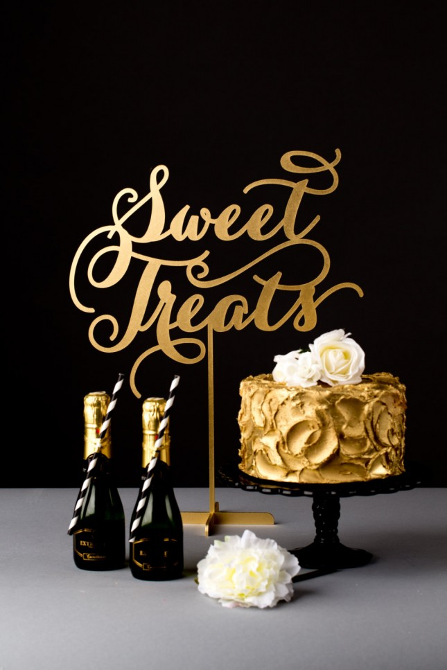 11. Dessert Table Sign ($75): Show your guests where the sweets are ...