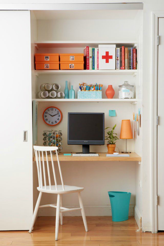 10 ways to turn your closet into an office brit co for Transform small closet space