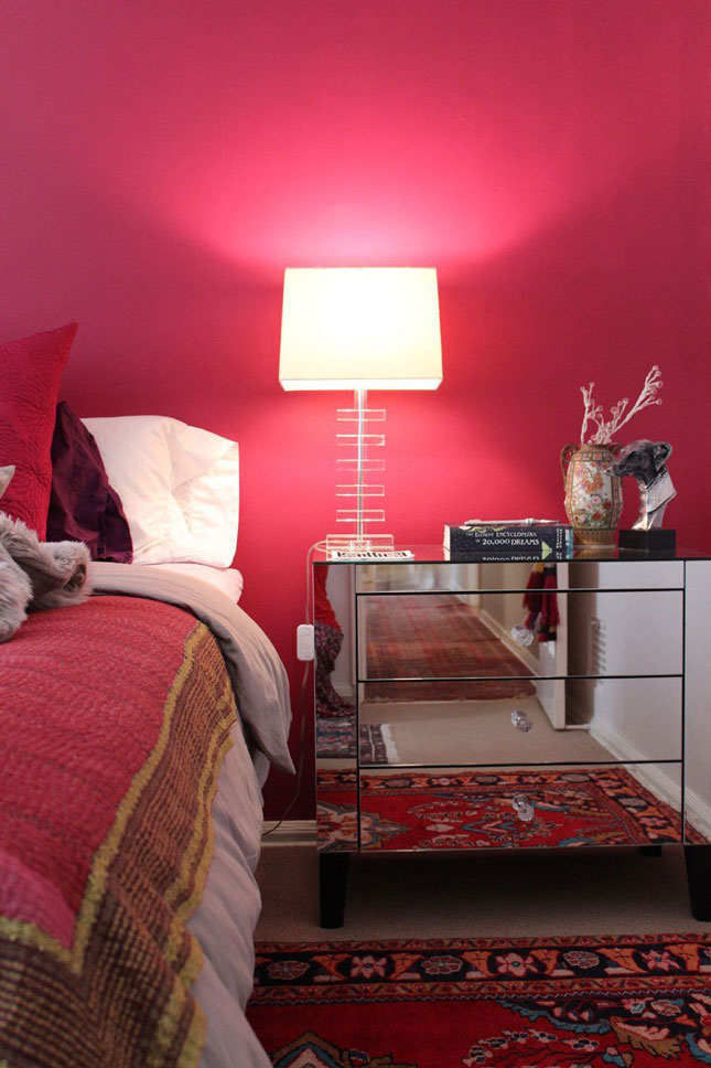 8 red wall bedrooms that will make you swoon brit co - Bedroom with red accent wall ...