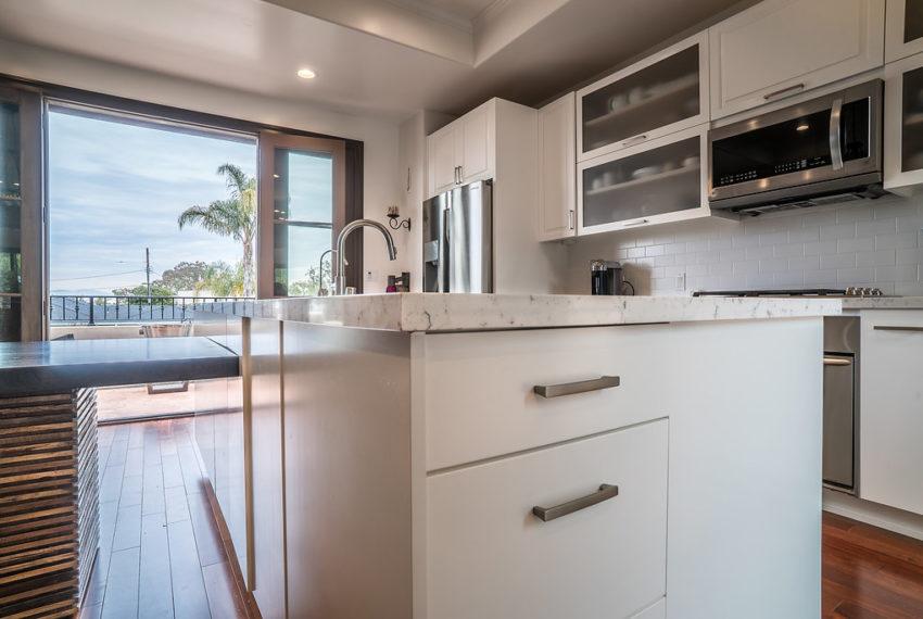 340viacolusa-Kitchen-2b