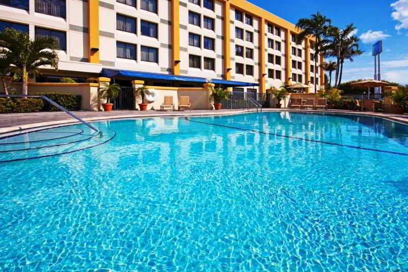 Holiday Inn Express & Suites Miami-Hialeah预定